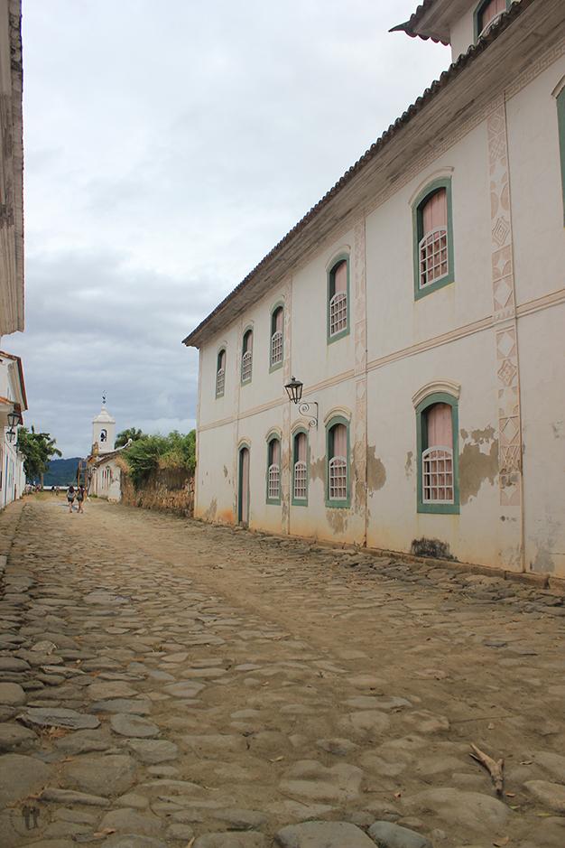 Calles y casas de Paraty construidas con mano de obra esclava
