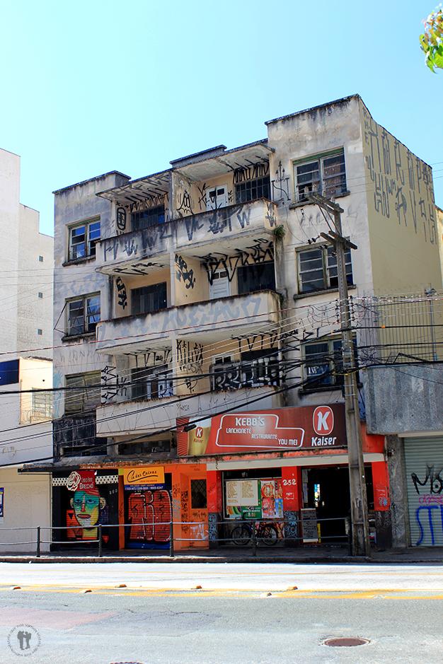 Pintadas en algunos edificios de la ciudad