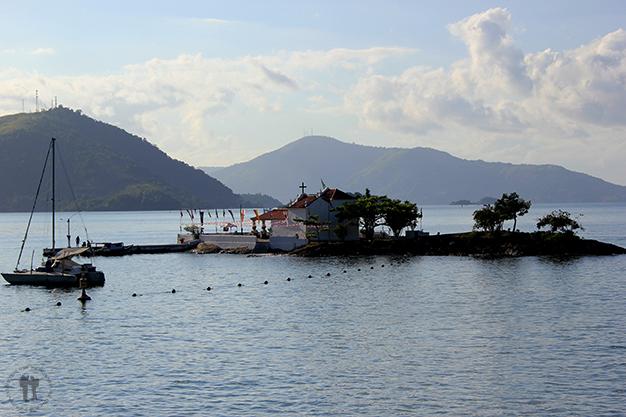 Isla pequeña en la Praia do Bonfim