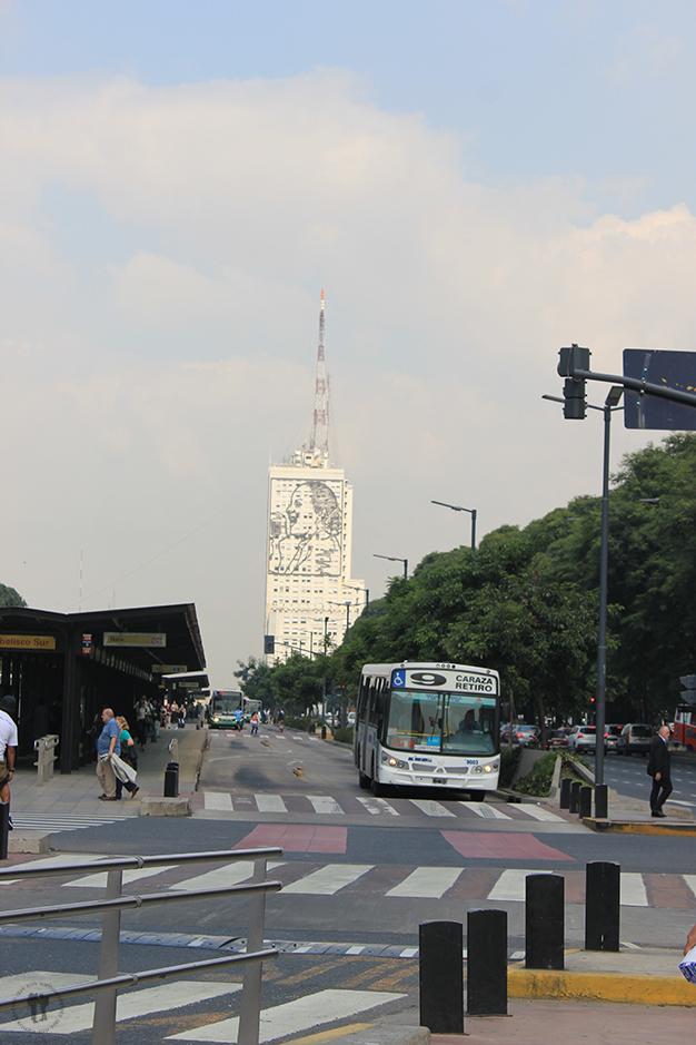 Edificio del Ministerio de Obras Públicas, con el retrato de Eva Perón