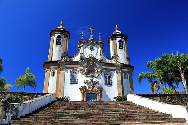 Son tantas las iglesias que hay en la ciudad...