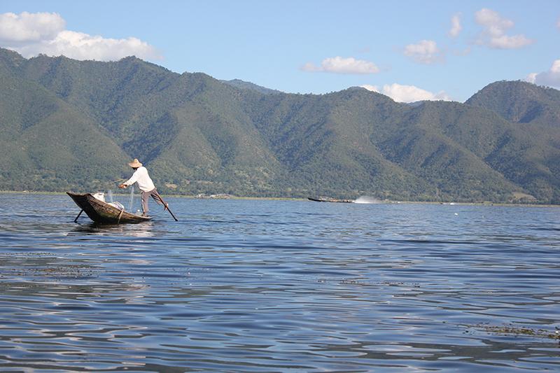 Pescador del lago