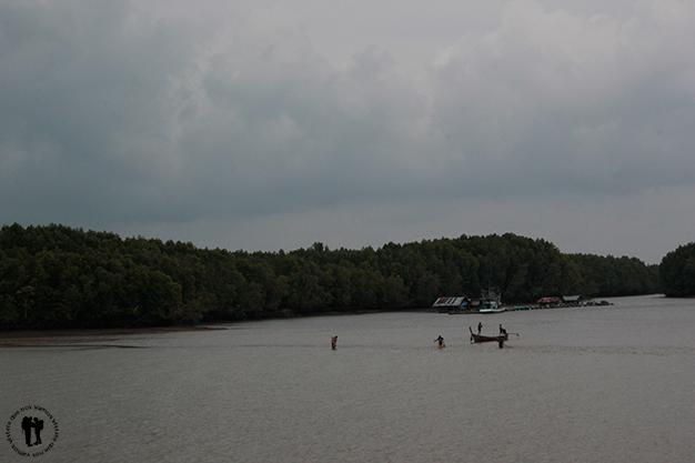 Paseando la orilla de Krabi