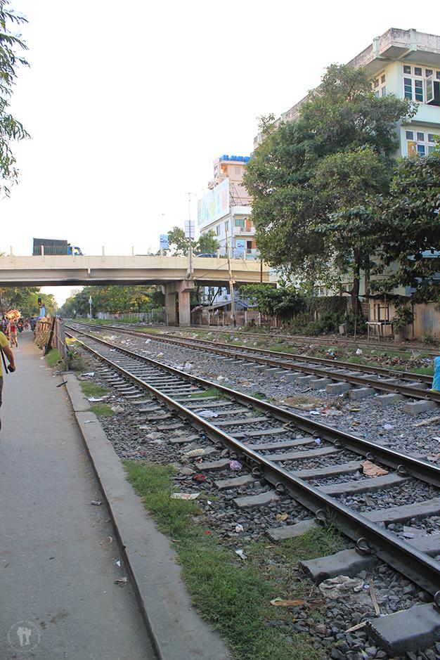 Vía del tren en Mandalay