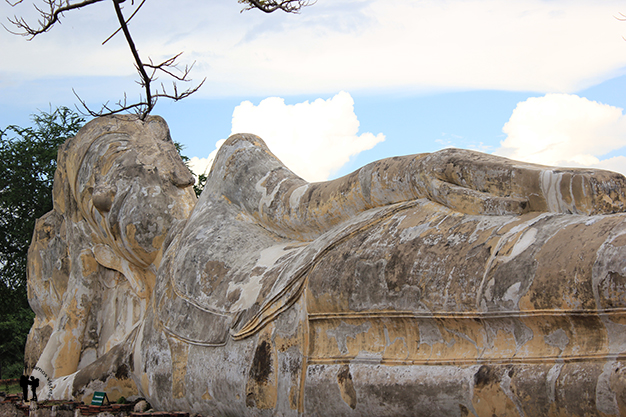 Buda reclinado de Wat Lokayasutharam