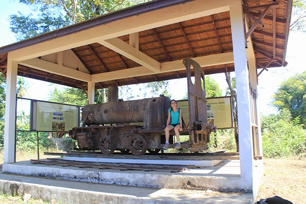 Antigua locomotora en Don Det