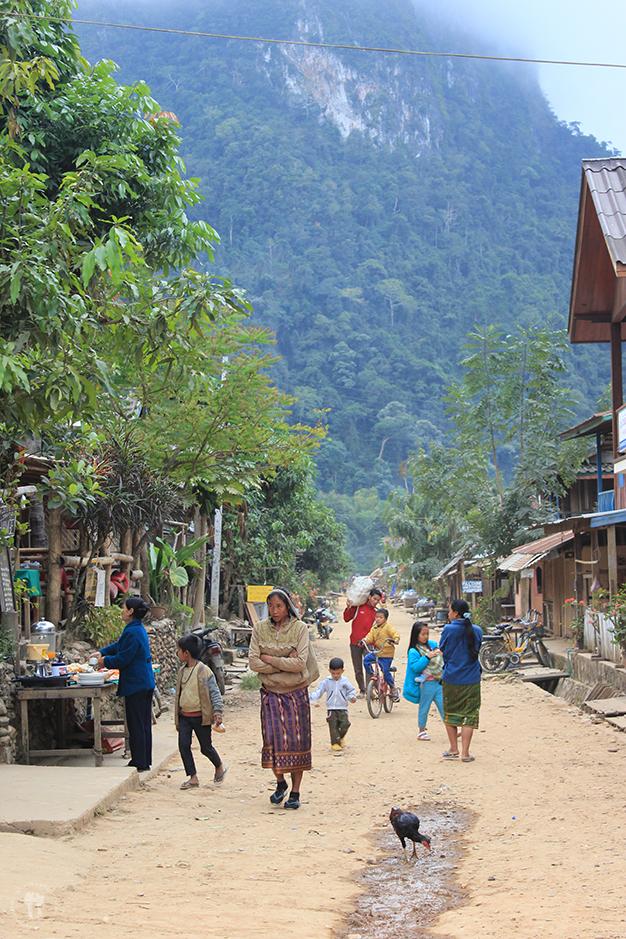 Calle principal de Muang Ngoi Neua