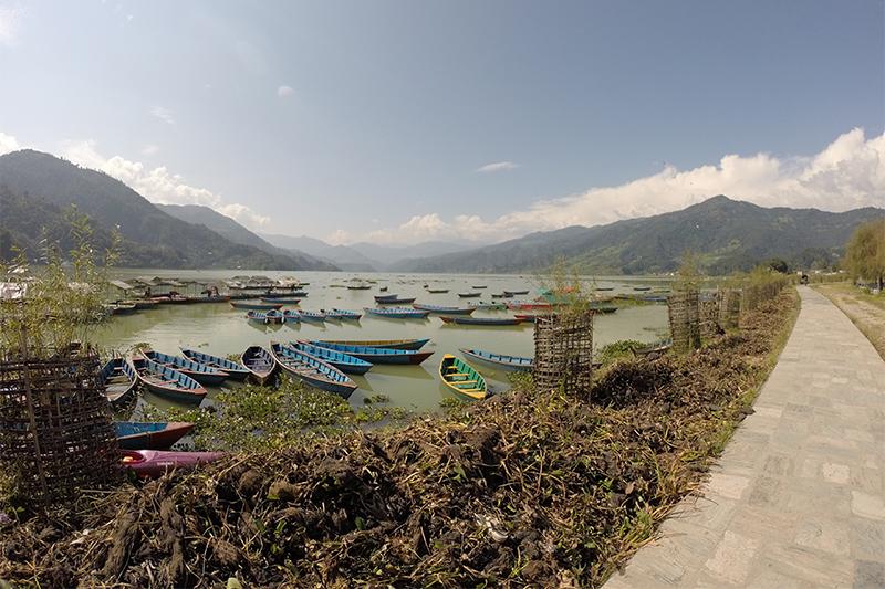 Lago Phewa en Pokhara