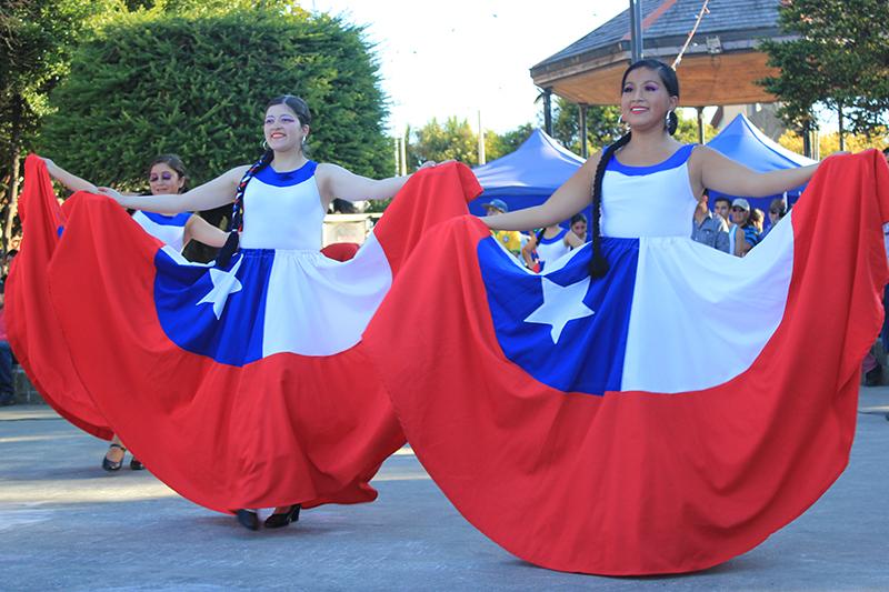 Representación de bailes tradicionales