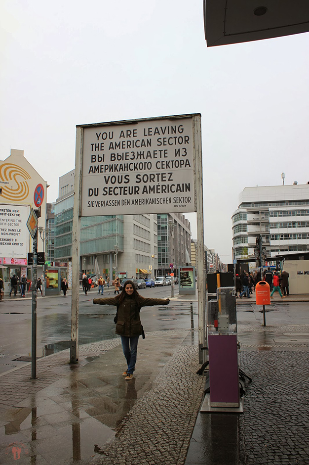 Checkpoint Charlie, paso fronterizo utilizado durante la Guerra fría