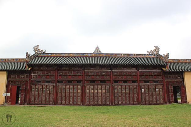 Puerta de uno de los palacios