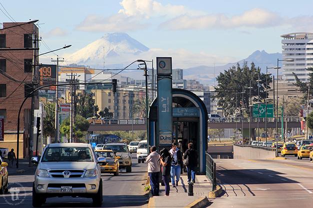 Volcán Cotopaxi desde la ciudad de Quito