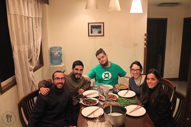Gran cena junto con Antonio, Carmen y Lois