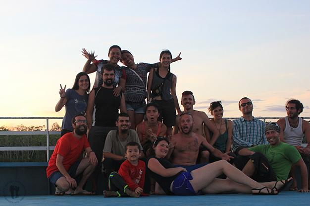 El grupo extranjero del barco