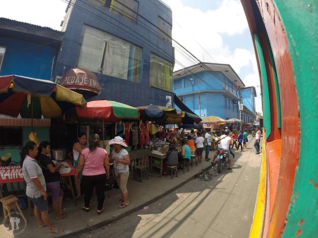 Ajetreo comercial en las calles