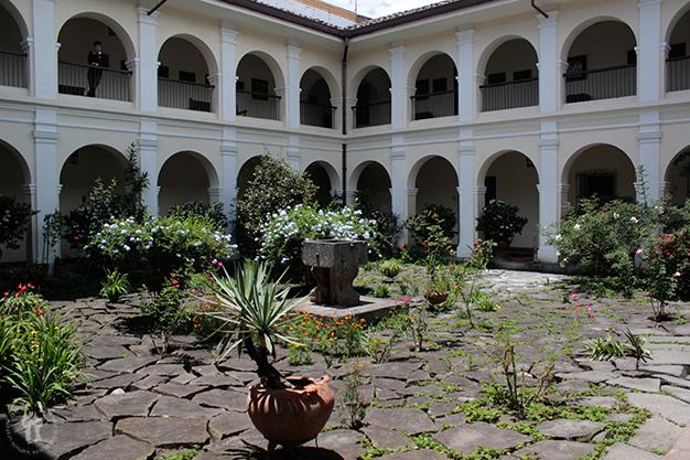 Patio del Museo Nacional Guillermo Valencia