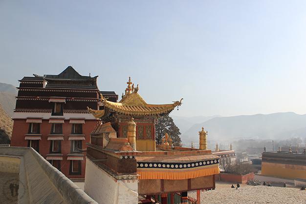 Vista de uno de los templos desde la parte alta de la kora