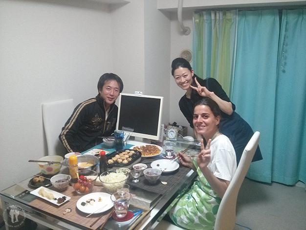 Con Kiyoko y Kochan