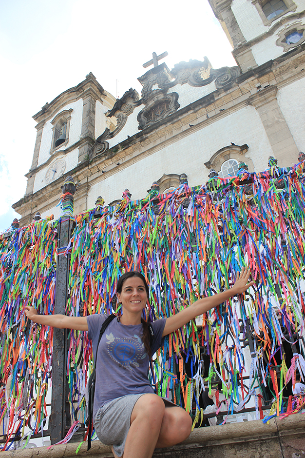 Iglesia de Nuestro Señor de Bonfim lleno de coloridas fitas