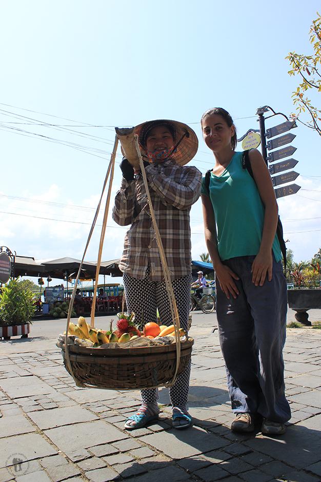 Los puestos de fruta andantes, se cuentan por decenas