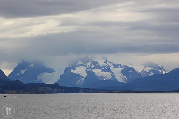 El contraste mar y montaña es espectacular