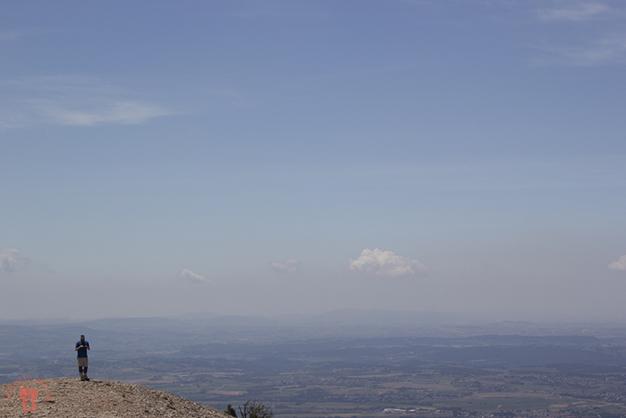Alberto y el horizonte desde la cima de el Montgròs