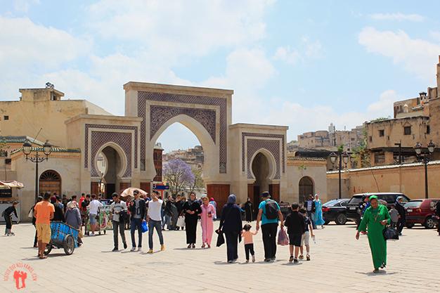 Para acceder a la medina se consigue por una de las diferentes entradas que la rodean