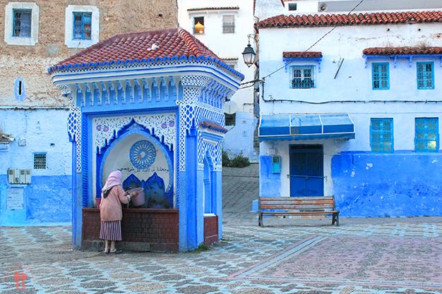 Fuente en una de las plazas de la medina