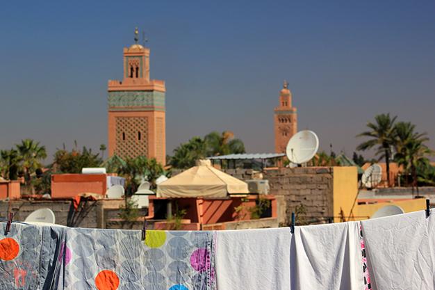 Azoteas de Marrakech, con las mezquitas de fondo