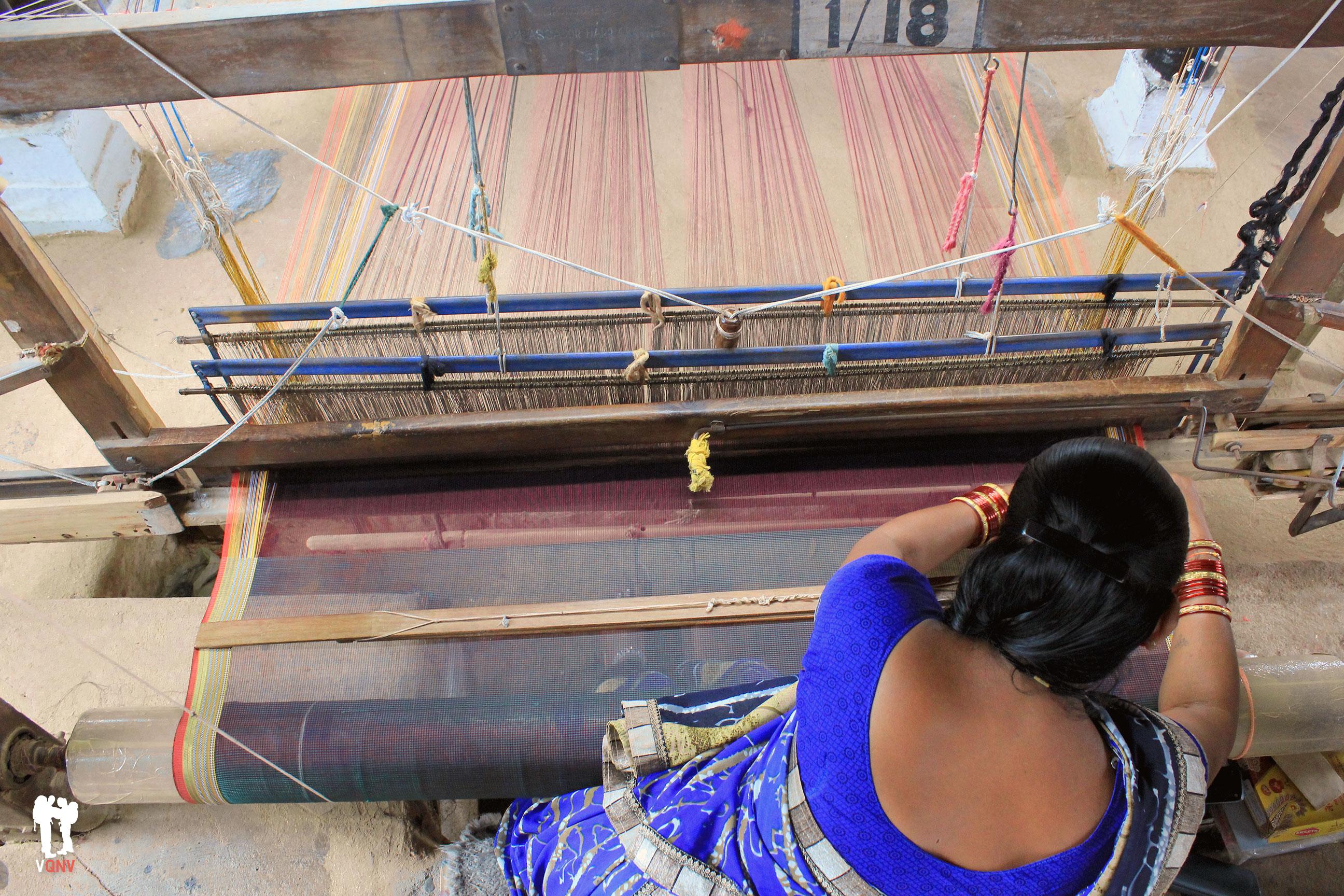Tejiendo los famosos saris