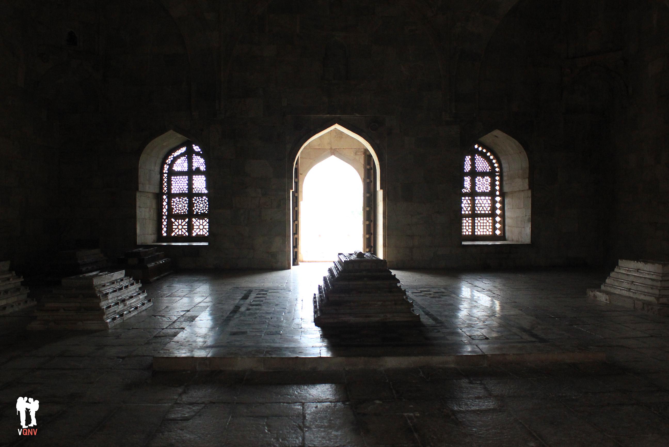 Tumba de Hoshang Shah