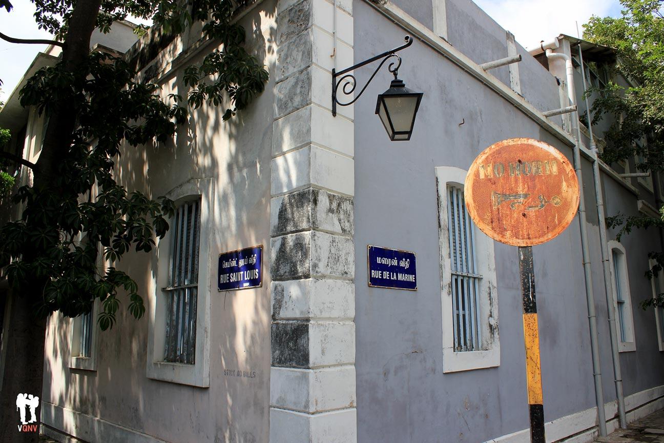Rue Sant Louis et Rue de la Marine