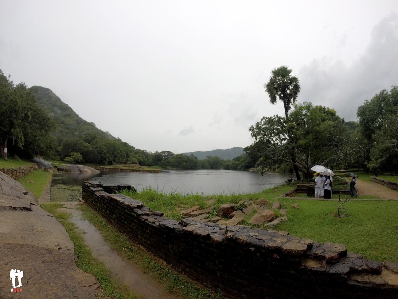 Kaludiya Pokuna, Mihintale