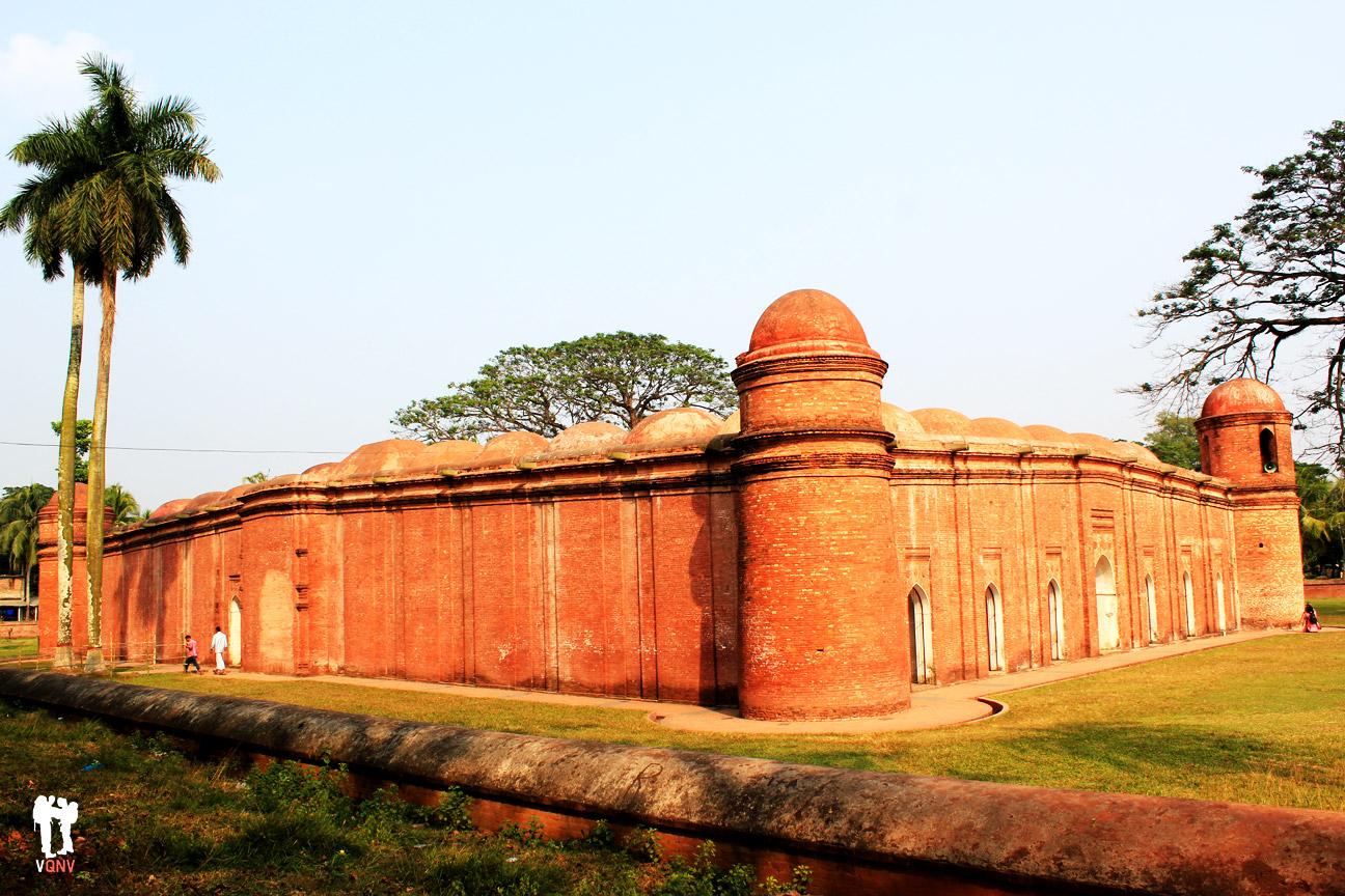 Mezquita de los sesenta pilares II