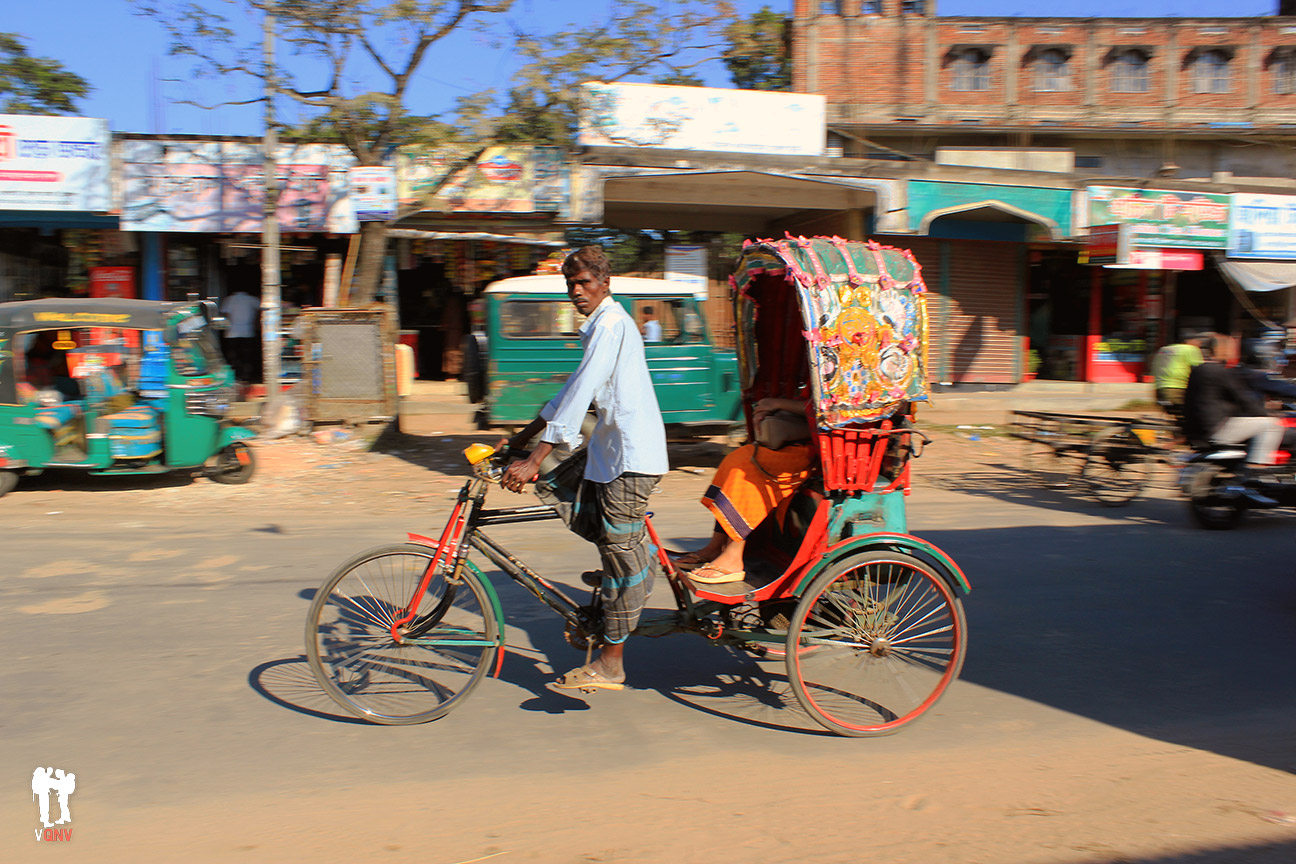 Estilosos rickshaws en Bangladesh