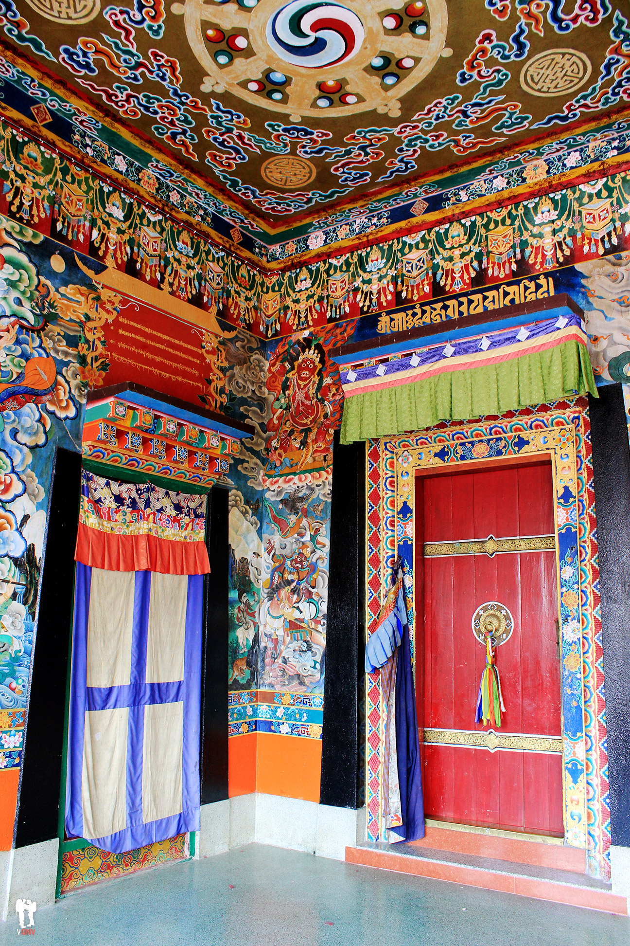 Puertas del Monasterio Rumtek