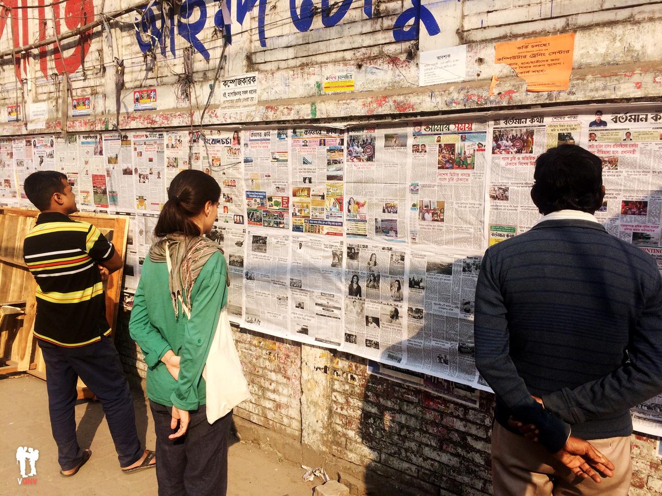 ¡Noticia! Periódicos gratuitos en la calle