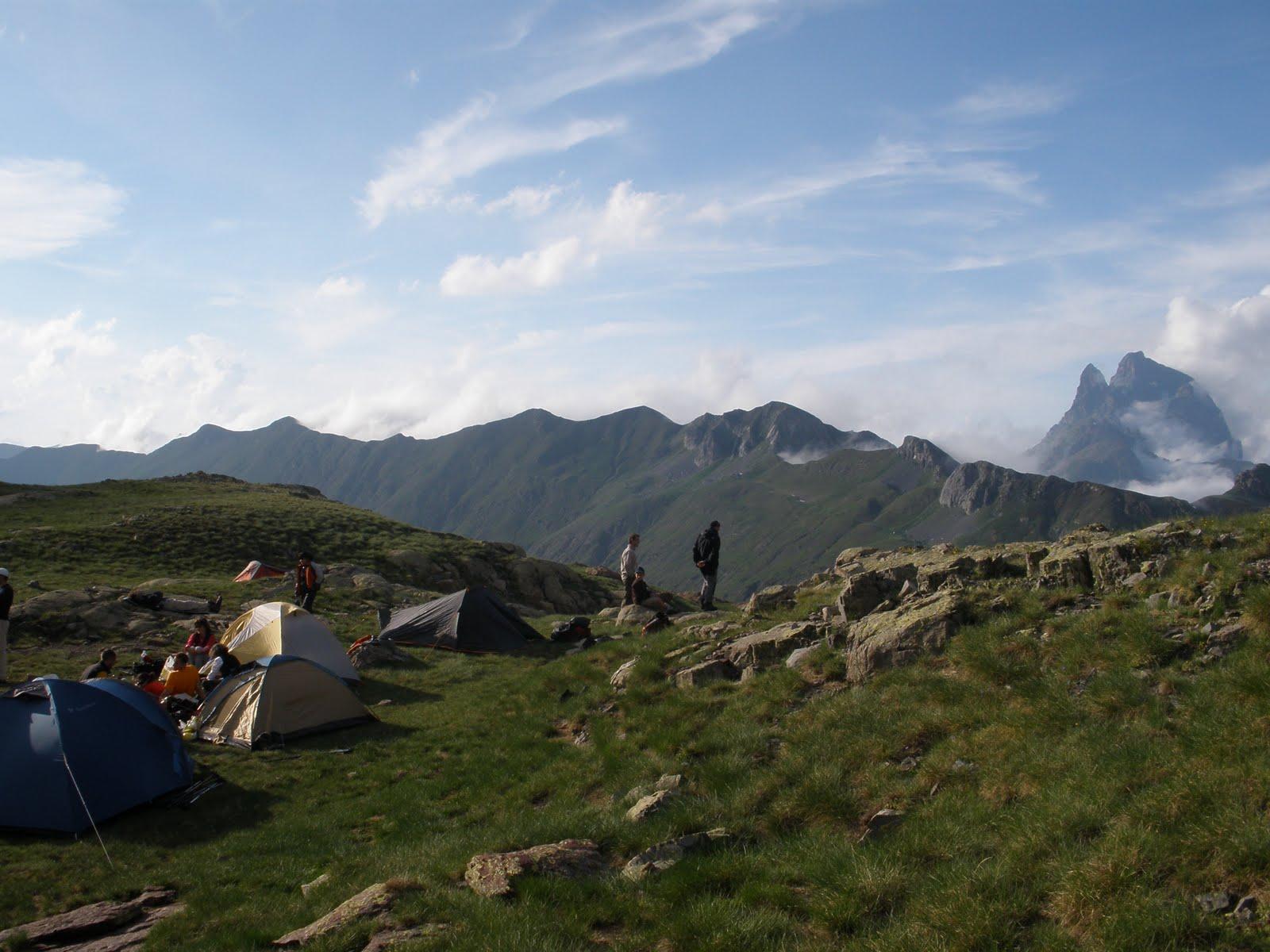 Campamento con vistas al Midi d'Ossau