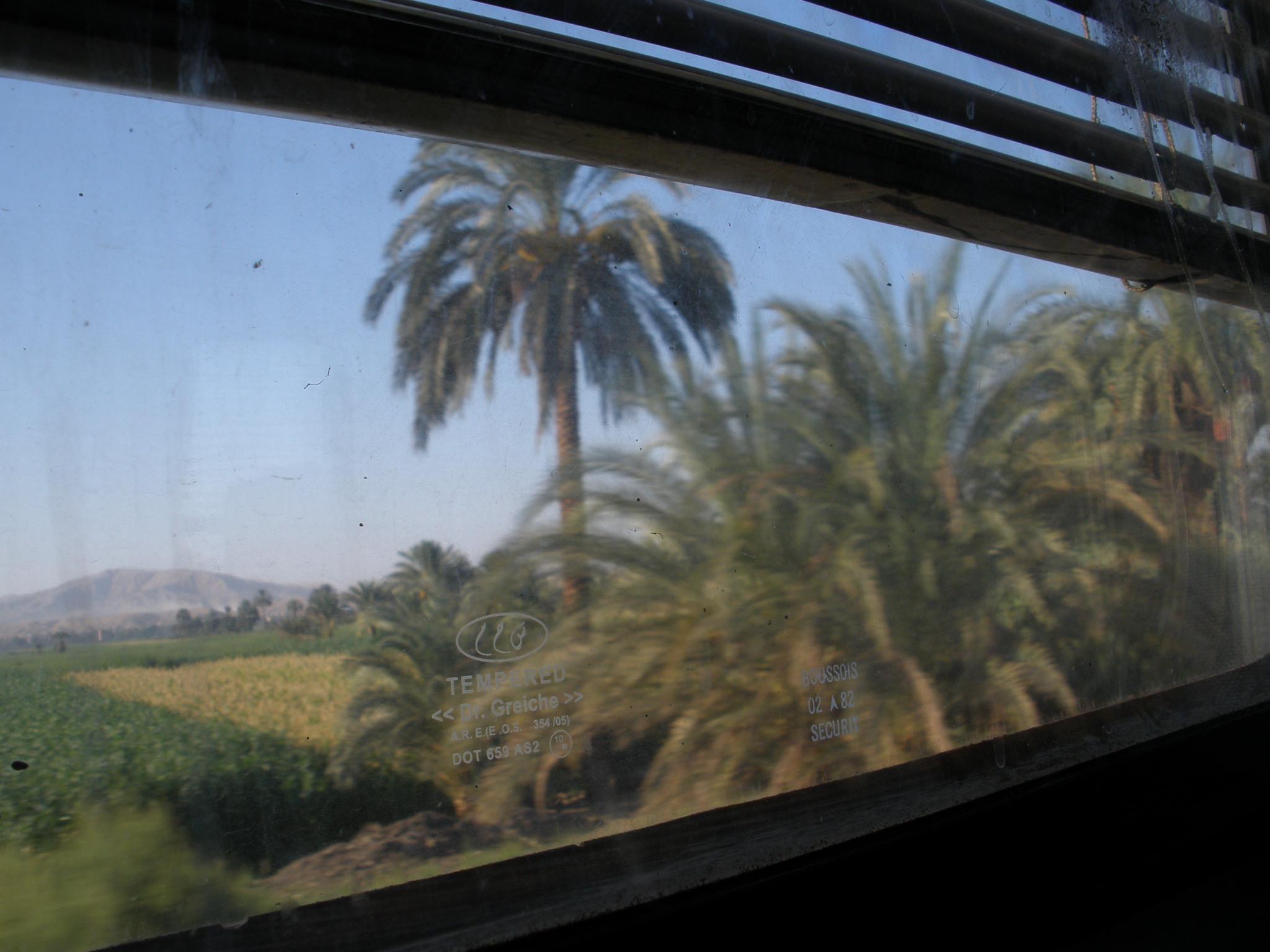 En tren de Luxor a Aswan
