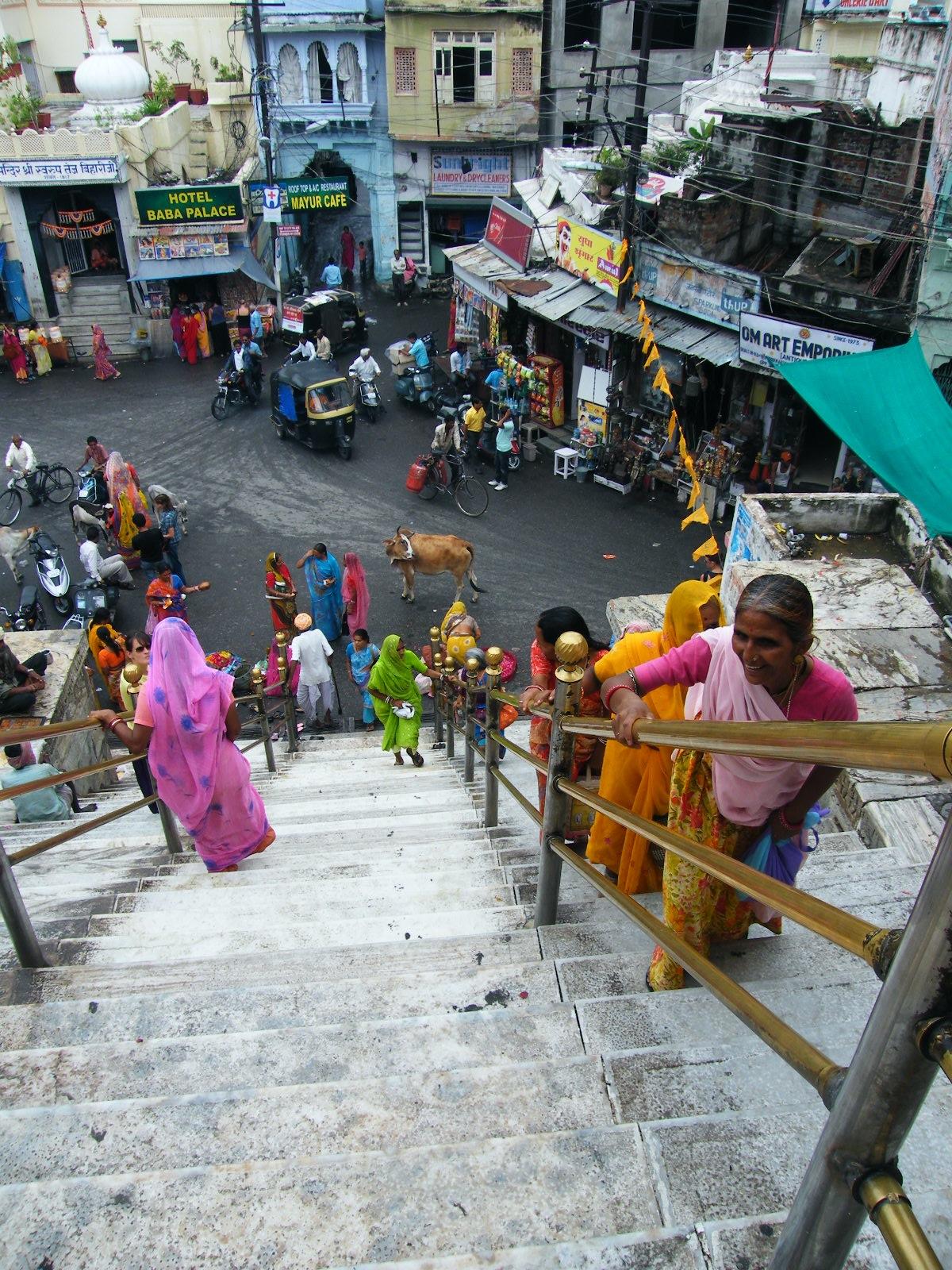 Escaleras que conducen al templo